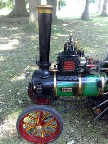 A model steam tractor